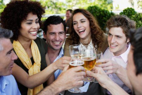 Bira göbeğiniz olmaz!  • Ne kadar içerseniz için, kemerinizi asla bira göbeği örtmez.  • Doğuştan doğru hediyeyi verme yeteneğine sahipsiniz.  • Meşrubat kolilerini 6. kata kadar kendiniz taşımak zorunda değilsiniz.  • Plajda, uyarılmış olduğunuz mayonuzdan belli olacak diye endişelenmenize gerek yok.